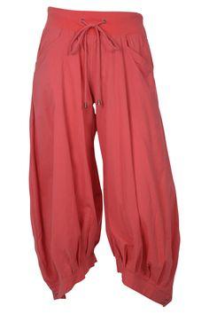The Plain Guru Pants by Boom Shankar are the perfect pants to take up yoga, meditation or pilates in! Comfortable Fashion, Gorgeous Women, Harem Pants, Sweatpants, Meditation Clothing, Style Inspiration, Stylish, Womens Fashion, Pants