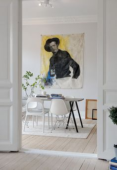 Statement art + white furniture. Alvhem