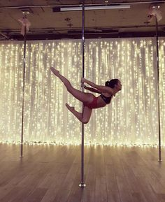 New Pole Dancing Moves Advanced Exercise Ideas Aerial Dance, Aerial Hoop, Aerial Arts, Aerial Silks, Pole Fitness, Pole Dancing Fitness, Barre Fitness, Pole Dance Moves, Dance Poses