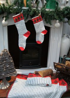 Crochet Christmas Stockings - Gehaakte kerstsokken - download (English and Dutch) Crochet, pattern, haakpatroon, gratis, free, Christmas, kerst, deken, blanket