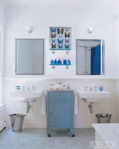 Beadboard wainscoting lines the walls of the easy-breezy master bath in Sarah Jessica Parker and Matthew Broderick's Hamptons retreat.