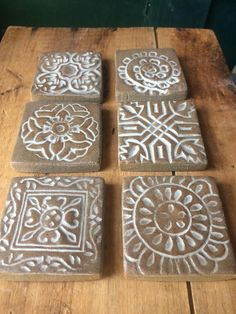 Good Free Ceramics Tile installation Suggestions This listing is for a set of six 2 inch decorative ceramic tiles. They will make a lovely addition Ceramic Tile Art, Clay Tiles, Ceramic Painting, Ceramic Pottery, Ceramics Tile, Feuille Aluminium Art, Aluminum Foil Art, Cerámica Ideas, Decorative Wall Tiles