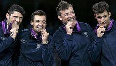 Montano, Occhiuzzi, Tarantino e Samele, gli sciabolatori di bronzo. Reuters