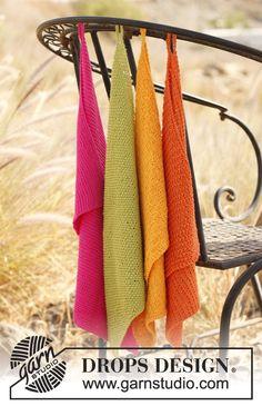"Gestrickte DROPS Handtücher in ""Safran"". Das Set besteht aus: 4 Handtüchern ~ DROPS Design"
