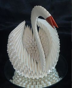 Origami Swan by !PanamaPaperFolding on deviantART 3d Origami Swan, Origami Art, Paper Art, Paper Crafts, Modular Origami, Paper Folding, Paper Quilling, Pretty Cool, Arts And Crafts