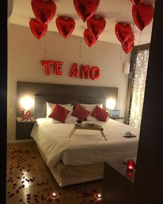 41 Favorite And Romantic Bedroom Decor For Valentines Day day decora. 41 Favorite And Romantic Bedroom Decor For Valentines Day day decora… 41 Favorite An Valentine's Home Decoration, Romantic Room Decoration, Romantic Bedroom Decor, Romantic Room Surprise, Romantic Birthday, Surprise Boyfriend, Boyfriend Gift Basket, Romantic Anniversary, Anniversary Surprise