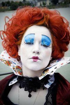 Alice im Wunderland Herzkönigin Kostüm selber machen | Kostüm-Idee zu Karneval, Halloween & Fasching