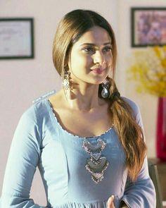 New Fashion : Janifer Winget Most Beautiful Indian Actress, Beautiful Actresses, Sony Television, Jennifer Winget Beyhadh, Tv Girls, Heroine Photos, Jennifer Love, Fashion Tips For Women, Stylish Girl