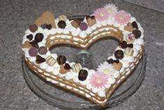 Torta v tvare srdca, recept, Torty   Tortyodmamy.sk Sweet, Desserts, Food, Backen, Tailgate Desserts, Meal, Dessert, Eten, Meals