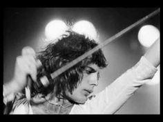 Freddie the ultimate performer!