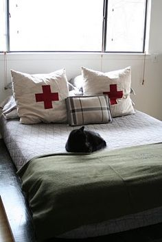 Yes. Inspiration for evolving our future bed. As long as that's a cat on it, I can't really tell in the small version...