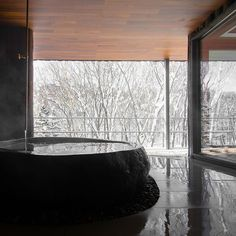 A selection of photos of Zaborin Ryokan in Hokkaido Japanese Bath, Bathroom Windows, Big Windows, Studio Apartment, Retail Design, Hot Springs, Minimalist Design, Hotels And Resorts, Interior Architecture