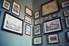 Corner frame arrangement for master bedroom