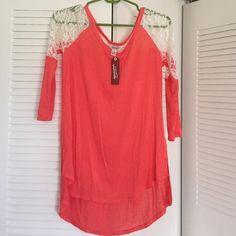 Arizona top NWT. Longer in back. Lace sleeves. Very cute Arizona Jean Company Tops Tees - Long Sleeve