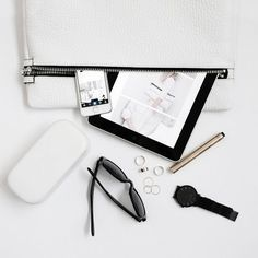 flat lay tips from #bloglovin. #imaginemedia