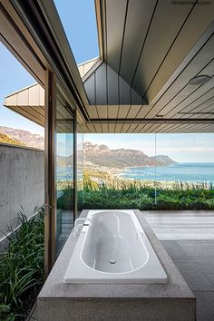 A look at the spectacular modern concrete home by SAOTA architects in Cape Town that won the popular vote for homes under 5000 square feet.