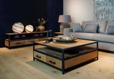 Center Table Living Room, My Living Room, Home And Living, Living Room Decor, Small Space Interior Design, Interior Design Living Room, Interior Decorating, Bench Furniture, Metal Furniture