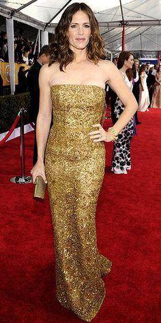Screen Actors Guild Awards 2013: Jennifer Garner in a glittery golden Oscar de la Renta and David Webb jewels.