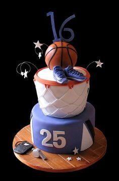 27 Ideas Basket Ball Cake Cupcakes Slam Dunk For 2019 Sweet 16 Basketball, Basketball Birthday, Basketball Party, Themed Birthday Cakes, Themed Cakes, 16th Birthday, Fondant Cakes, Cupcake Cakes, Sweet 16 Cakes