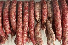 Trvanlive domace udene klobasy Salami Recipes, Russian Recipes, Smoking Meat, How To Make Cheese, Food 52, Herbalism, The Cure, Grilling, Bacon