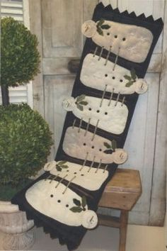 Wool Snowman Table-runner-Primitive Gatherings-one of my favorite shops