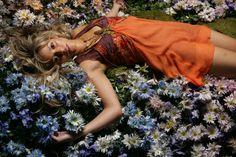 Shakira by Mario Sorrenti (2006)