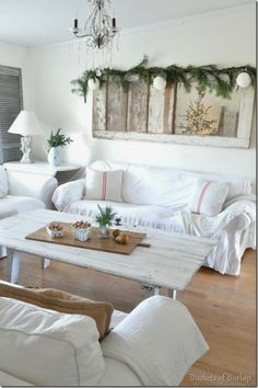 Door/mirror above couch! Old door coffee table. Mirror Above Couch, Above Couch Decor, Shabby Chic Kitchen Decor, Farmhouse Decor, Farmhouse Style, Decorating Your Home, Diy Home Decor, Decorating Ideas, Art Decor
