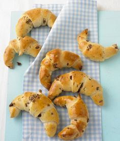 Schoko-Hörnchen Bakery Muffins, German Bakery, Cake & Co, School Snacks, Coffee Recipes, Sweet Bread, International Recipes, Soul Food, Finger Foods