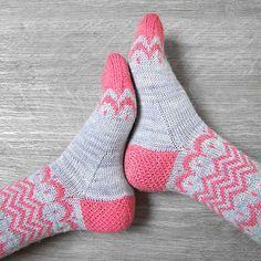 Ravelry: Luna socks pattern by Josephine & the seeds