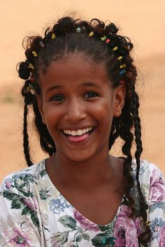 Kurdish girl. Such a delightful smile; I just want to laugh with her!