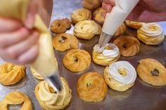 Fotogalerie: Deset rad pro odpalované těsto - Vitalia.cz Doughnut, Desserts, Food, Tailgate Desserts, Deserts, Meals, Dessert, Yemek, Eten