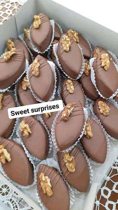 Muffin, Corner, Breakfast, Desserts, Food, Morning Coffee, Tailgate Desserts, Deserts, Essen