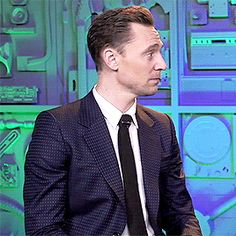 tom hiddleston — why do i like this so much