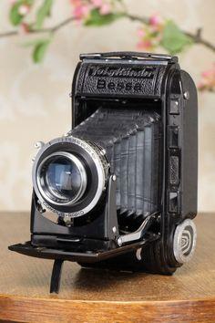 Superb! 1947 Voigtlander 6x9 Bessa Rangefinder with COATED-HELIAR lens, Freshly Serviced!