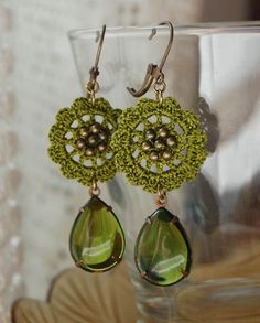 Green Drop earrings by Un Jardín De Hilo, via Flickr