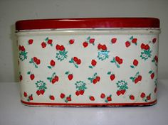 VINTAGE METAL RED WHITE GREEN BREADBOX STRAWBERRIES