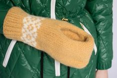 Dagens gratisoppskrift: Topptur ølvott | Strikkeoppskrift.com Fingerless Gloves, Arm Warmers, Tips, Blog, Fingerless Mitts, Blogging, Fingerless Mittens, Counseling