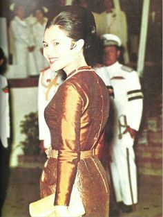 Queen Sirikit of Thailand. Thailand, Queen Sirikit, Thai Dress, Her Majesty The Queen, Royal Jewelry, Buddhist Art, Royal House, Royalty, King