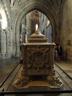 Cenotafi o tomba de Luis Vaz de Camões (Mosteiro dos Jerónimos, Lisboa, Portugal)