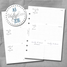 Wochenkalender, Kalendereinlagen von SinnWunder für Organizer von Filofax, Succes, elfenklang & Co.im Design VintageSinn. Filofaxing Fans werden sich über die tolle Papierqualität von 100g/m² freuen. Monats- und Jahresübersichten sind auch mit dabei.Der Kalender 2016 enthält die Feiertage für Deutschland, Österreich und die Schweiz.  So macht Planung richtig Spaß!  Auf www.sinnwunder.de gibt es noch viele Zusatzeinlagen, um das Kalender Set-up zu vervollständigen.  ;)