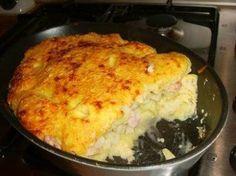 Bloemkoolschotel INGREDIENTEN4 personen 700 gram (eventueel zoete) aardappelen kleine bloemkool 3 dl melk 70 gram boter 70 gram bloem zout peper nootmuskaat 2 theelepels tijm 2 eieren 100 gram rau…