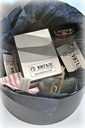 Large Vintage Look HatBox Hat Boxes, Soy Candles, Vintage Looks