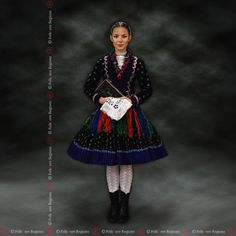 Plachtince , Slovakia Folk Costume, Costumes, The Older I Get, Popular, Wonders Of The World, Old Things, Culture, Handkerchiefs, Disney Princess