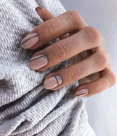 20 reasons for transparent and white nails (page How should we choose the nail polish? The brand and the choice of color nail polish completely change your appearance . Picasso Nails, Lines On Nails, Uñas Fashion, Nagellack Trends, Simple Nail Art Designs, Line Nail Designs, Stripe Nail Designs, Neutral Nail Designs, Round Nail Designs