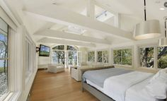 space/doors/windows/beams in this master bedroom