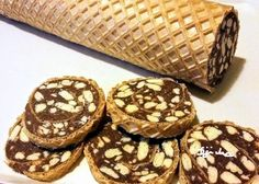 Ostyás keksztekercs a gyerekek örömére, de akár karácsonyra is! - Ketkes.com Cookie Desserts, Holiday Desserts, Cookie Recipes, Christmas Snacks, Christmas Baking, Walnut Torte Recipe, Croation Recipes, Smoothie Fruit, Waffle Cake