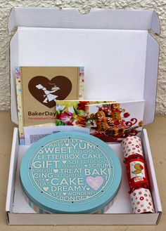 The Human Mannequin: Baker Days Letterbox Cake Review and Giveaway!