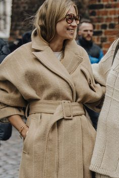 The best street style from Copenhagen Fashion Week autumn/winter - Vogue Australia ∘ pinned by: theboynxtdoor ∘ ∘ Fashion Week Hommes, La Fashion Week, Star Fashion, Look Fashion, Daily Fashion, Winter Fashion, Vogue Uk, Street Style Looks, Street Style Women