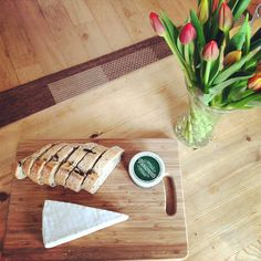 Tracklements Fruit Cheese #Tracklements #Cheeseboard #Bread #Fruit #Cheese #Flowers Bread, Cheese, Fruit, Shop, Flowers, Table, Decor, Decoration, Brot