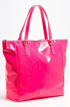Hot pink Marc by Marc Jacobs tote Couleur Fuchsia, Magenta, Marc Jacobs Tote, Pink Outfits, New Bag, My Bags, Handbag Accessories, Purses And Handbags, Juicy Couture